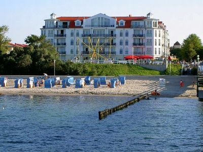 Photo for Apartment in Kuehlungsborn directly with sea views in a central location at the pier