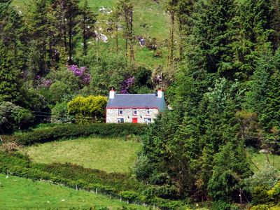 Photo for Traditional stone farmhouse, in secluded location, on the slopes of Coomcallee Mountain with s…
