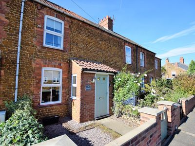Photo for 3 bedroom Cottage in Heacham - KT070