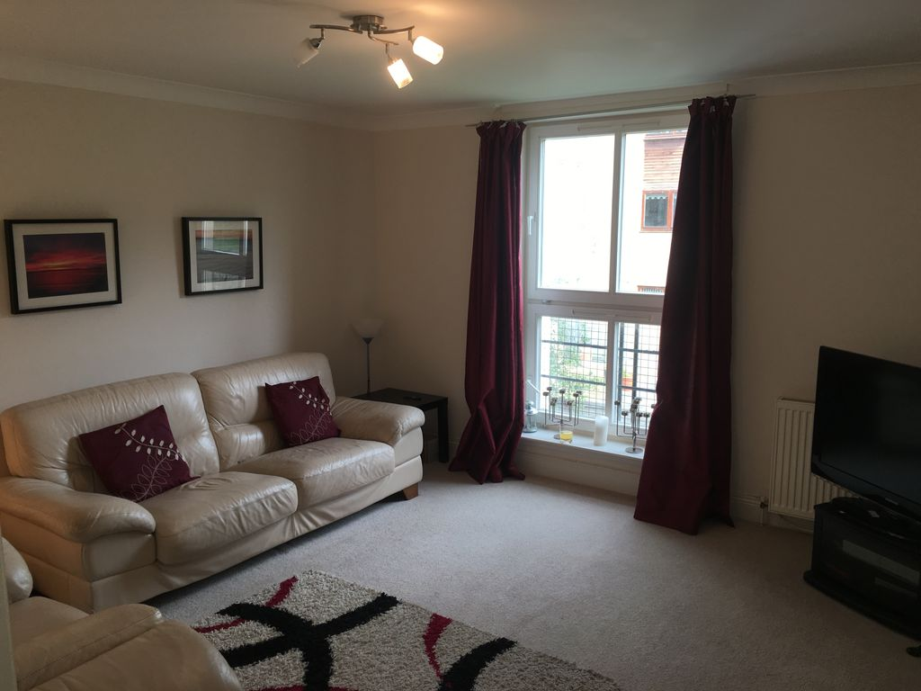 3 bedroom Flat to rent, Burdiehouse Terrace, Edinburgh, EH17 | £733pcm