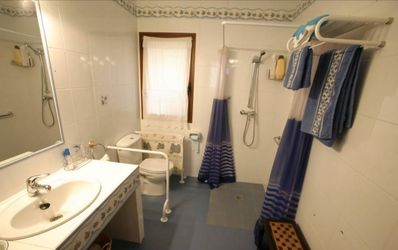 Photo for House with 4 double rooms with bathroom each. In the surroundings of Cabañeros.