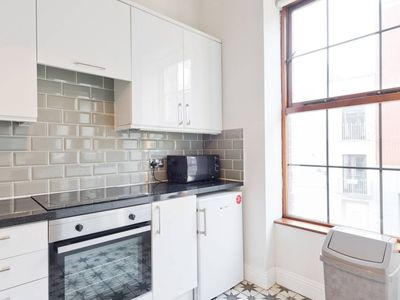 Photo for 2 bed - 5 mins to Temple Bar!