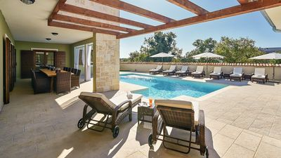 Photo for Luxury villa with private pool in Central Istria