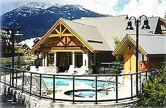 Year-round heated pool with hot tub.  Rec centre has fitness equipment and sauna