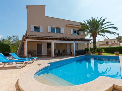 Photo for VILLA MANOLO: Absolute calm, close to the town center and the beach