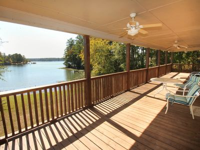 Family Friendly, Lake Front Property, 5 Bedroom 3 Bath With Deep Water Access