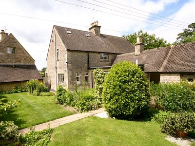 Photo for 2 bedroom Cottage in Stow-on-the-Wold - CC032