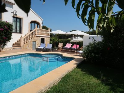 Photo for Beautiful villa for 10 people with private pool and sea view