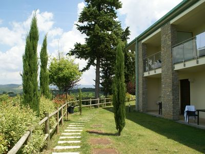 Photo for Comfortable apartment with airconditioning and enclosed pool in Chianti