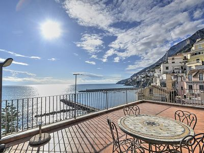 Photo for Appartamento Annalia B: A graceful apartment which faces the sun and the sea.