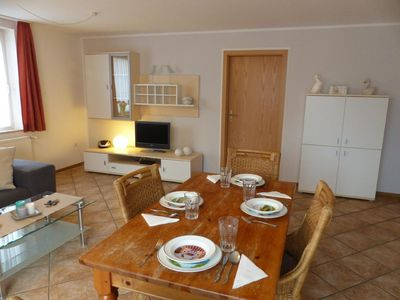 Photo for Holiday apartment Carolinensiel for 4 persons with 2 bedrooms - Holiday apartment
