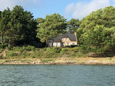 Photo for Gulf of Morbihan, house feet in the water