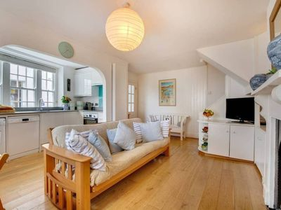 Photo for This cottage is a 2 bedroom(s), 1 bathrooms, located in Cornwall, England.