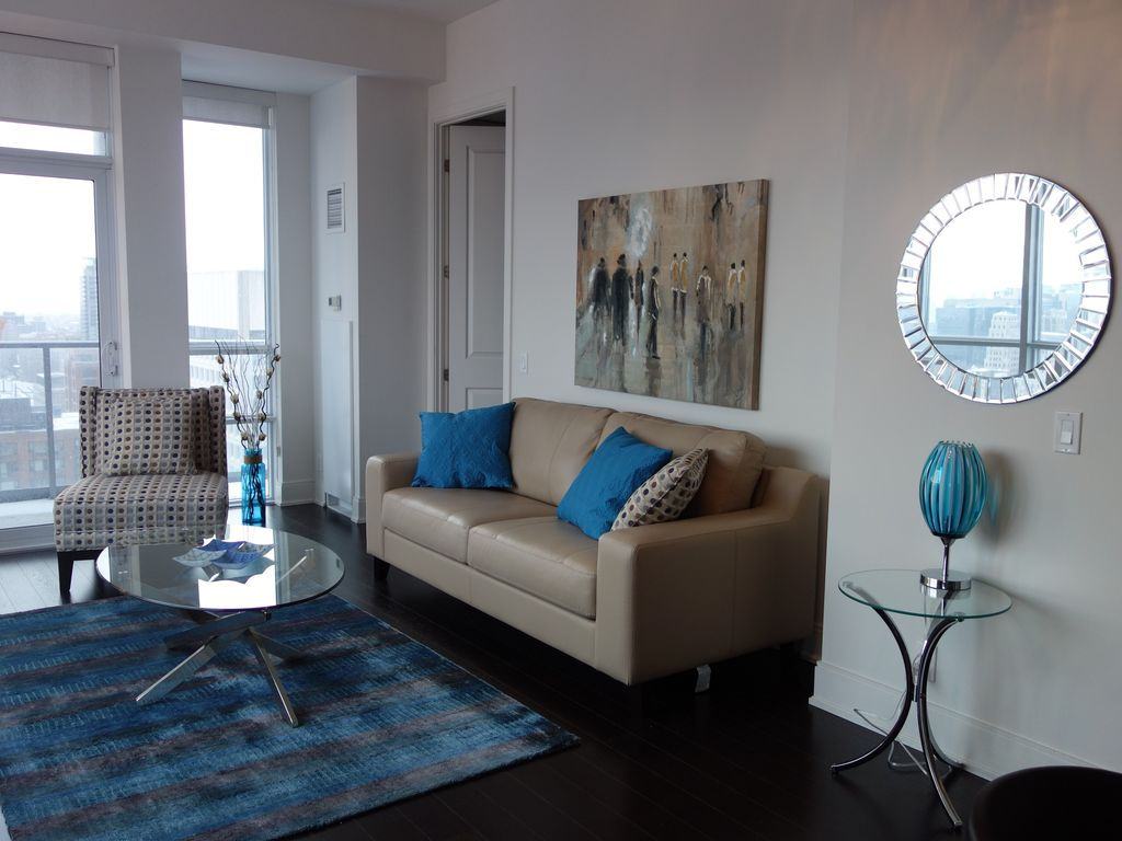 PERFECT FOR LONGER STAYS! Large Yorkville... - HomeAway Bay Street ...