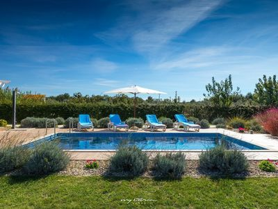 Photo for Charming villa with pool near the beach