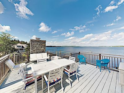Family-Friendly Shoreside Gem w/ Island View, Near Boothbay Harbor & Downtown