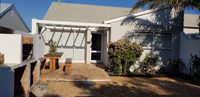 Photo for 3 Bedroom 2 bathroom single story house (CL)