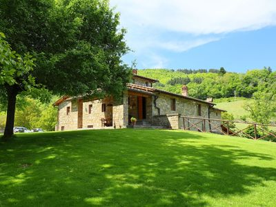 Photo for Nice apartment with pool, WIFI, TV, balcony, pets allowed and parking, close to Greve In Chianti