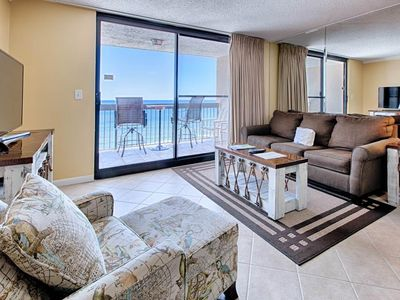 Photo for Inviting 18th floor condo with expansive gulf views! Gas grills on-site! Steps to the beach!