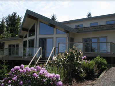 Spacious Home w/ Pool & Hot Tub- Great Location Between Port Angeles & Sequim!