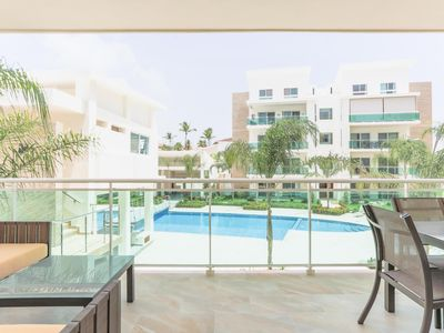 Photo for Afternoon Delight, 2 BR +Pool, BBQ, Gym, Walk to Beach!