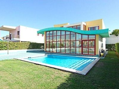 Photo for Spacious, modern villa with wifi and ac frontline location in Albufeira's marina