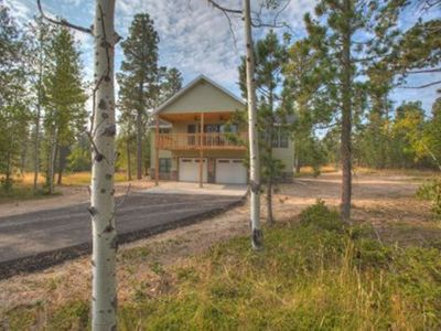 Lovely Cabin at New Development, Paved Roads & Garage Access