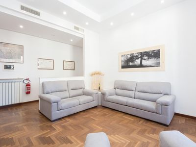 Photo for Popolo Elegant Two Bedroom Apartment