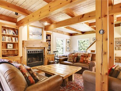 Photo for Quiet and Charming with Wood Fireplace!