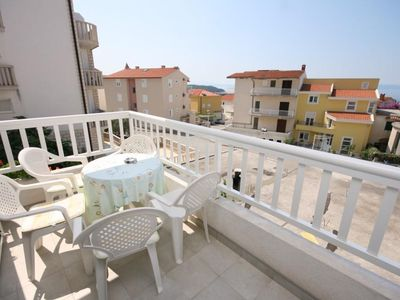 Photo for Two bedroom apartment with terrace and sea view Makarska