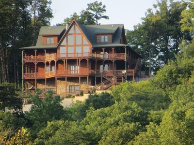View of Look-Out-Lodge from Lake Cumberland.