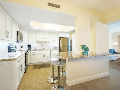 25% OFF MAY 1 - NOV. 13 2020  Click for reviews! FREE SEASONAL BEACH CABANA WITH THIS ISLAND WINDS 6TH FLOOR CONDO! FREE WIFI, Central Air, Onsite Parking, Full-sized Washer and Dryer in Unit