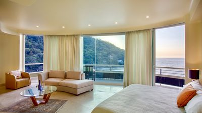 Photo for LUXURY PANORAMIC SUITE WITH A MILLION DOLLAR VIEWS