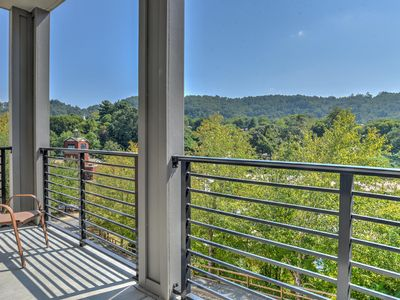 Photo for New luxury 2 bdr/2 bath condo located in the heart of downtown Asheville