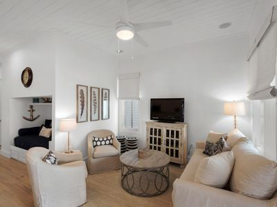 Photo for Comfortably Chic-Perfect Location-Close to Pool/Town/Beach-4 Bikes Included!!