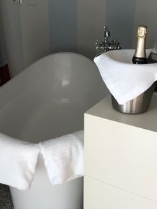 Photo for Champagne Bath? Why not!