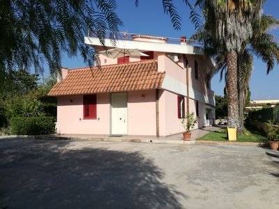 Photo for Villa 100 meters from the golden beaches of Lido di Noto