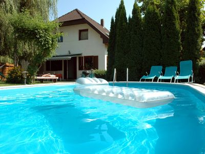 Photo for Holiday house for 8 with swimming pool, air-conditioning in silent area