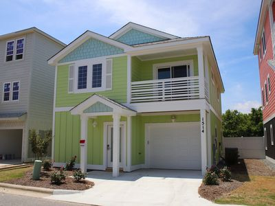 Photo for Paradise Point 3 Bedroom Home, Waterpark & Community Pool