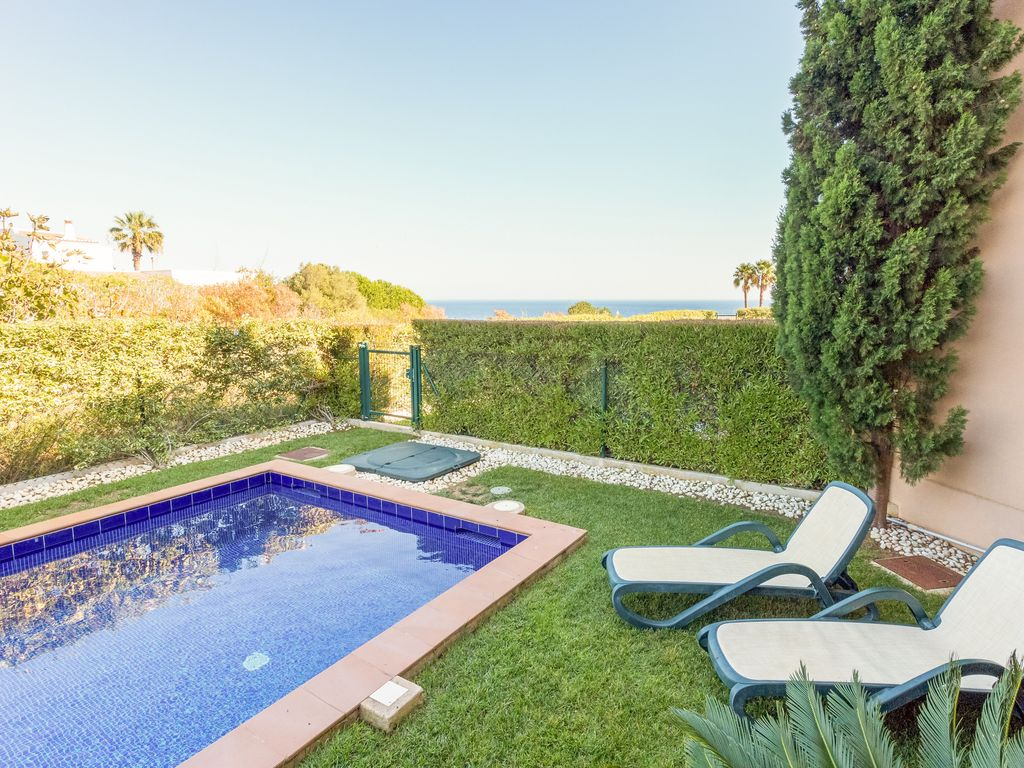 luxury apartments pool. Ground floor apartment  Private pool and sea view Luxury apartments with HomeAway Luz