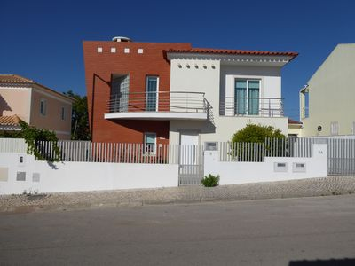 Photo for SESIMBRA HOUSE WITH HEATED POOL
