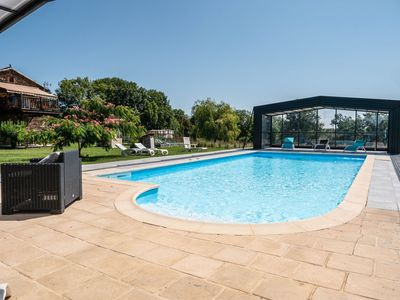 Photo for Beautiful house with pool access