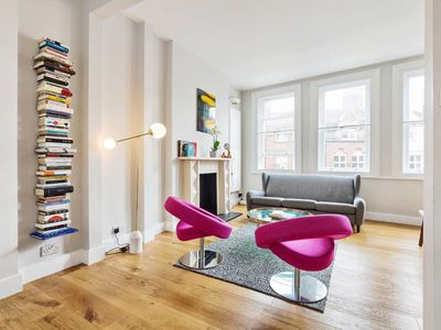 Photo for Modern & chic 2bed Hampstead duplex 1 min to tube