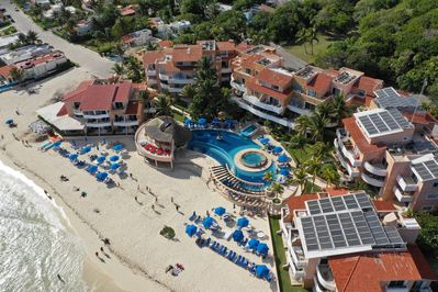 Good size beach. Free chaises/cabanas, beach towels and toys