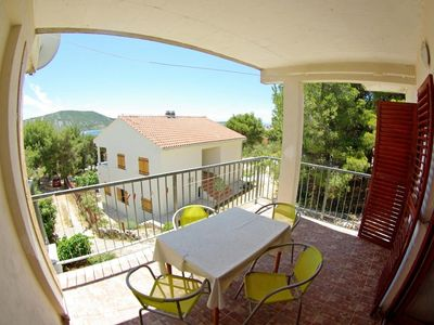 Photo for One bedroom apartment with terrace and sea view Primošten