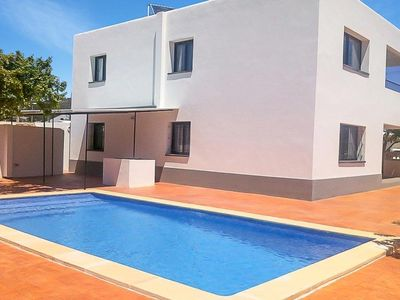 Photo for 8 bedroom Villa, sleeps 16 with Air Con, FREE WiFi and Walk to Shops