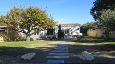 Photo for Beautiful villa with pool in the heart of Vaucluse near Mont-Ventoux