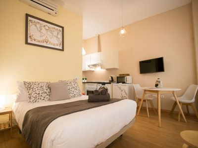 Photo for Capitan Studio apartment in Centro with WiFi, air conditioning & lift.