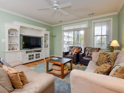 Photo for Great Location Near Fountains - Wi-Fi, Pools, Clubhouse, Great View