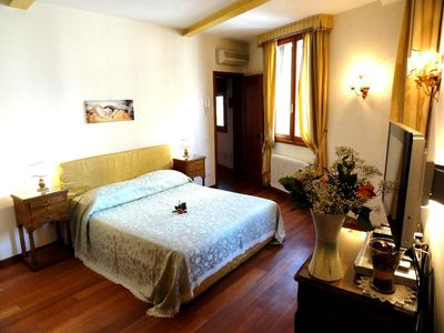 Larger double bedroom with on-suite bathroom additional (real) bed